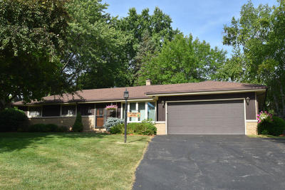 Menomonee Falls Single Family Home For Sale: W150n6987 Country Ln