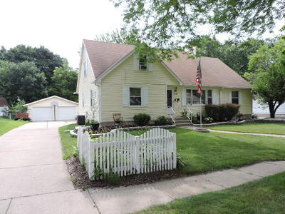 Fort Atkinson WI Single Family Home For Sale: $249,900