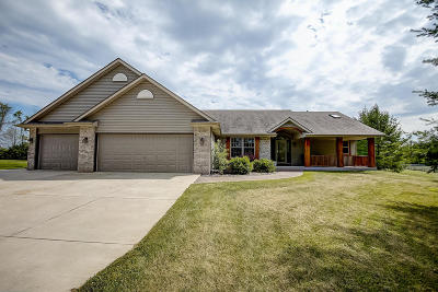 Racine Single Family Home Active Contingent With Offer: 3473 Old Wood Trl