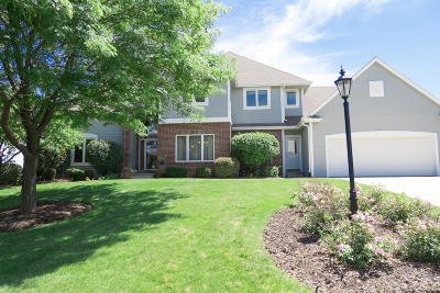 Menomonee Falls Single Family Home For Sale: W130n6480 Crestwood Dr