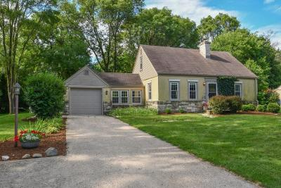 Brookfield Single Family Home Active Contingent With Offer: 14145 Hyland Dr