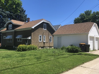 West Allis Single Family Home For Sale: 7327 W Lincoln Ave