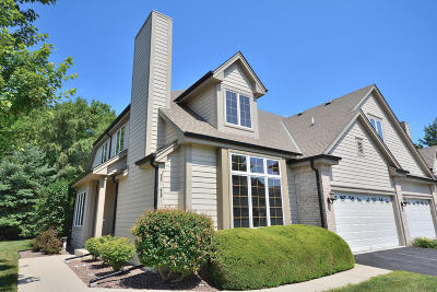 Waukesha Condo/Townhouse For Sale: 536 Country Crest Ln