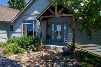 Slinger Single Family Home For Sale: 570 Bayberry Ln