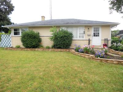 Kenosha Single Family Home Active Contingent With Offer: 5615 46th Ave