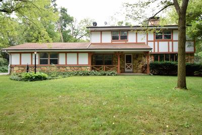 Waukesha Single Family Home For Sale: W286s5041 Woods Rd