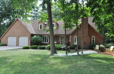 New Berlin Single Family Home For Sale: 4685 S Sovereign Dr