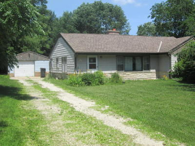Waukesha Single Family Home For Sale: 36s 26776w Genesee Rd