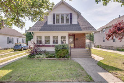 Kenosha Single Family Home Active Contingent With Offer: 4529 24th Ave