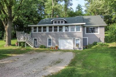 Cambridge Single Family Home For Sale: N4577 Circle Dr