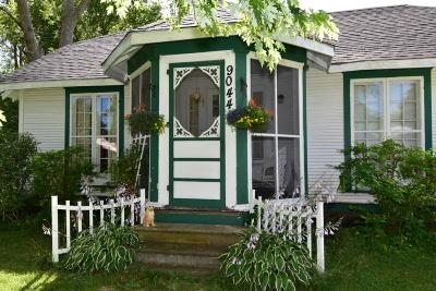 Kenosha Single Family Home For Sale: 9044 26th Ave