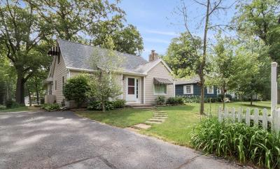 Williams Bay Single Family Home For Sale: 21 Lincoln Pkwy