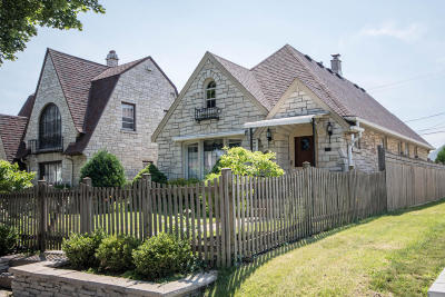 Milwaukee Single Family Home Active Contingent With Offer: 3163 S 25th St
