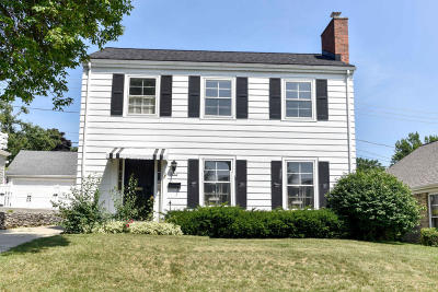 Milwaukee Single Family Home For Sale: 2752 N 68th St