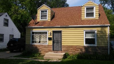 Milwaukee Single Family Home For Sale: 5355 N 57th St