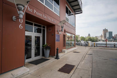 Milwaukee Condo/Townhouse For Sale: 106 W Seeboth St #502