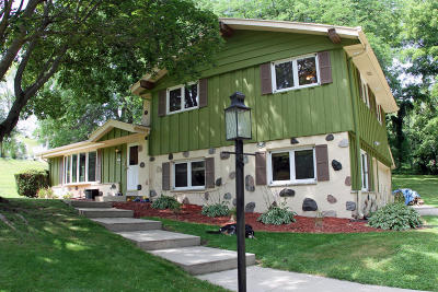 Brookfield Single Family Home For Sale: 1365 Jaclyn Dr
