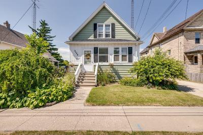 Kenosha Single Family Home For Sale: 2006 55th St