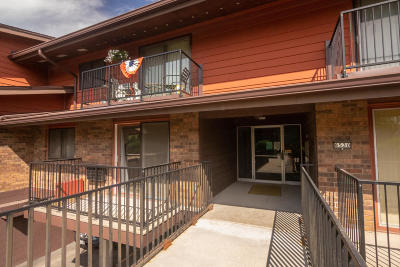 Greenfield Condo/Townhouse Active Contingent With Offer: 8530 W Waterford Ave #1