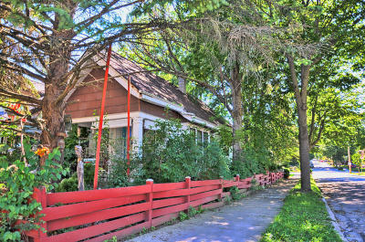 Milwaukee Single Family Home For Sale: 3201 S Vermont Ave