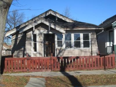 Milwaukee Single Family Home For Sale: 4212 W Auer Ave