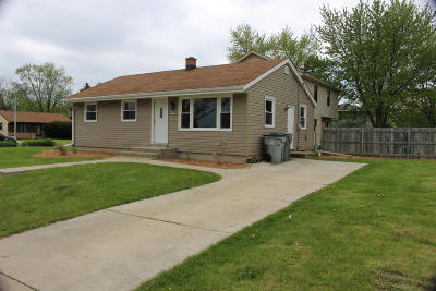 Milwaukee Single Family Home For Sale: 6233 S 23rd St.
