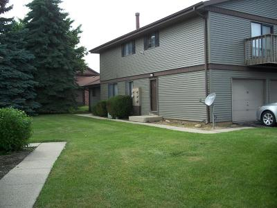 Milwaukee Condo/Townhouse For Sale: 6956 N Raintree Dr #D