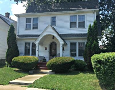 Racine Single Family Home For Sale: 2404 Green St