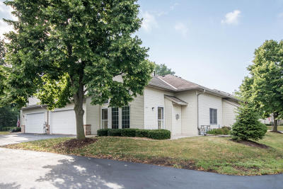 Waukesha WI Condo/Townhouse For Sale: $219,900