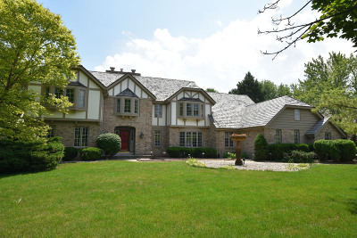 Ozaukee County Single Family Home For Sale: 10024 Vintage Dr