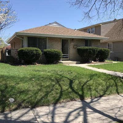 Milwaukee Single Family Home For Sale: 5740 N 97th St