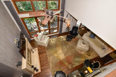 Brookfield Condo/Townhouse For Sale: 235 N Elm Grove Rd #D