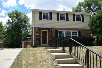 Single Family Home For Sale: 8611 W Wisconsin Ave