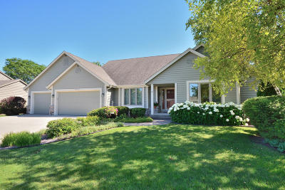 Menomonee Falls Single Family Home Active Contingent With Offer: N49w17525 Sheffield Ln