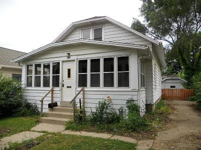 Waukesha Single Family Home For Sale: 142 Wilson Ave
