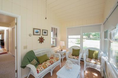 Williams Bay Single Family Home For Sale: 86 Highland St