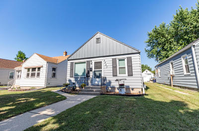 West Allis Single Family Home For Sale: 2453 S 74th St