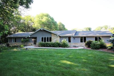 Menomonee Falls Single Family Home Active Contingent With Offer: N91w20810 Hillview Dr