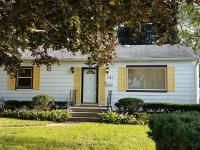 Waukesha Single Family Home For Sale: 1137 Madison St