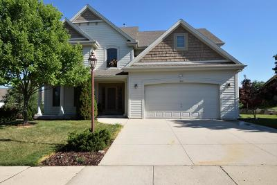 Waukesha Single Family Home For Sale: 1626 Deer Trail