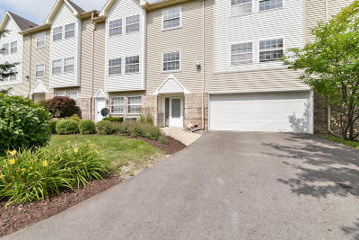 Brookfield Condo/Townhouse For Sale