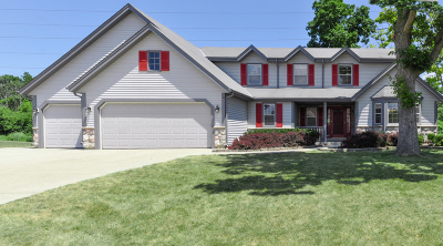 Oak Creek Single Family Home For Sale: 8830 S Clover Cir