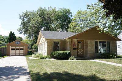 Cedarburg Single Family Home Active Contingent With Offer: W67n715 Franklin St