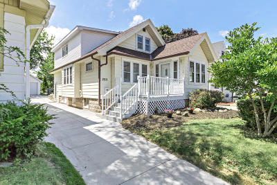 West Allis Single Family Home For Sale: 2211 S 90th St