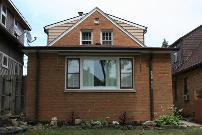 West Allis Two Family Home For Sale: 1950-1952 S 77th St
