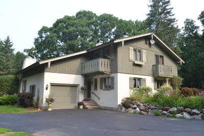 Waukesha Single Family Home For Sale: W278s4511 Saylesville Rd