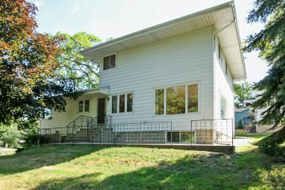Single Family Home Active Contingent With Offer: 24311 64th Pl