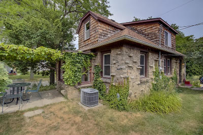 West Allis Single Family Home For Sale: 2400 S 73rd St