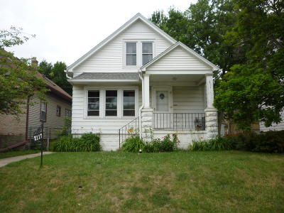 West Allis Single Family Home For Sale: 2117 S 74th