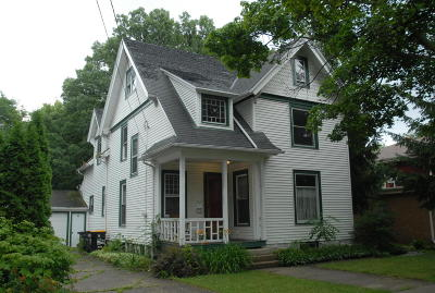 Single Family Home For Sale: 1526 Alice St